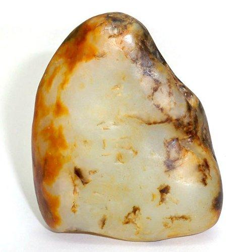 Nephrite pebble