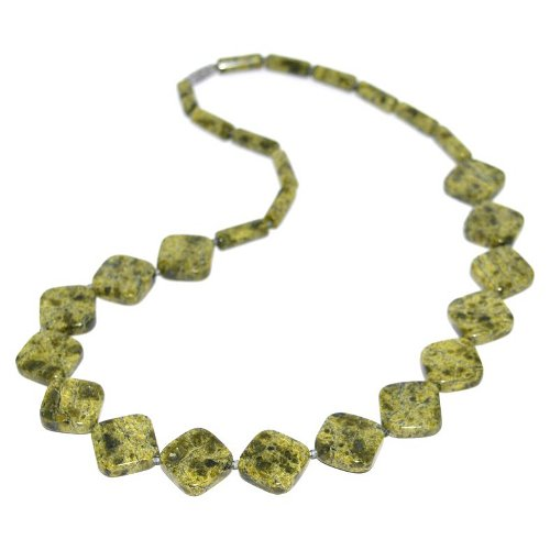 Serpentinite necklace