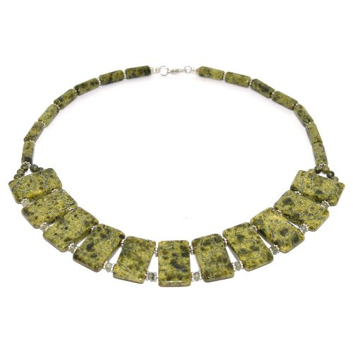 Serpentinite necklace
