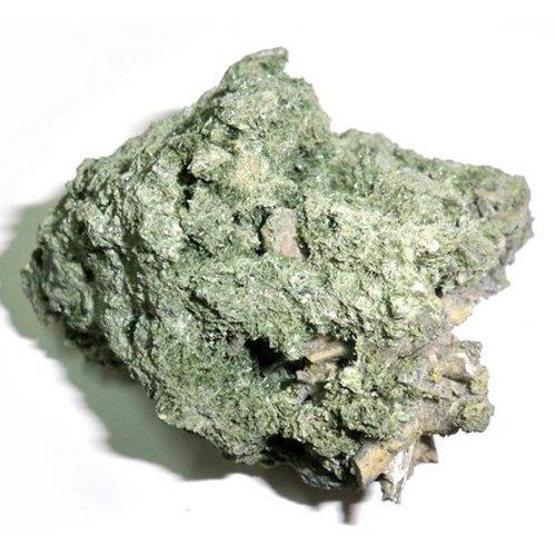 Actinolite specimen