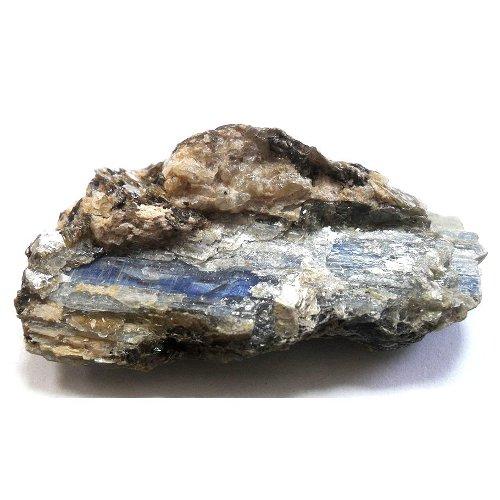 Kyanite specimen