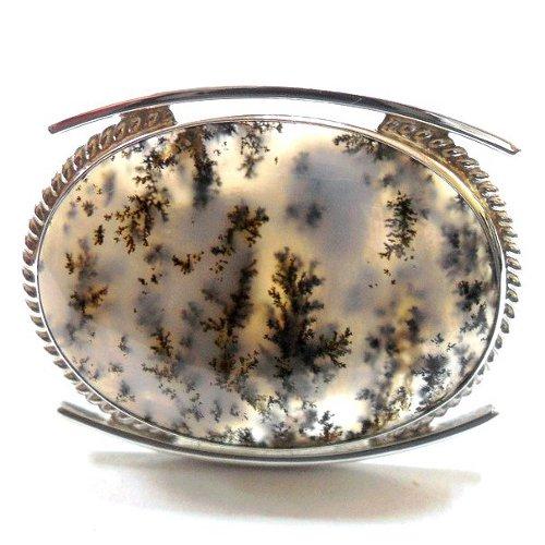 Dendritic agate brooch